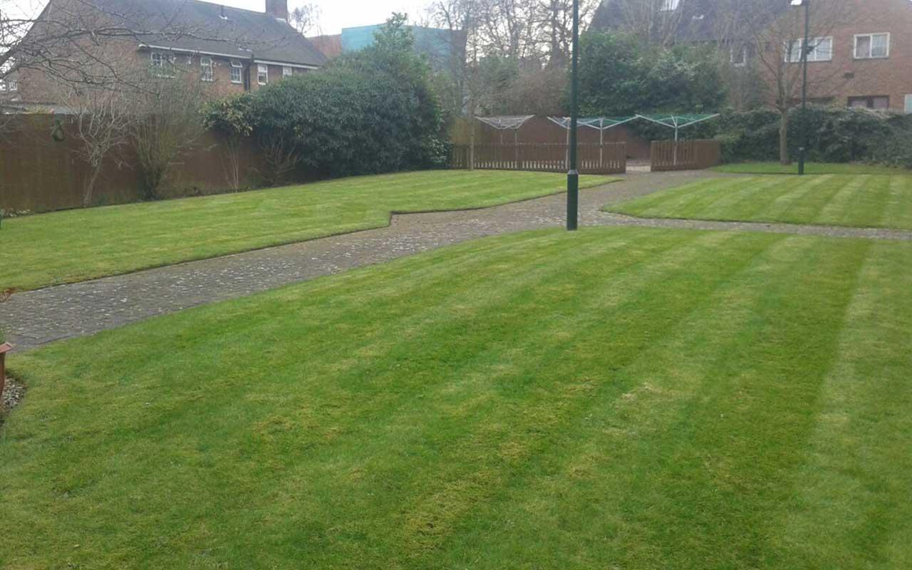 grounds-maintenance-2